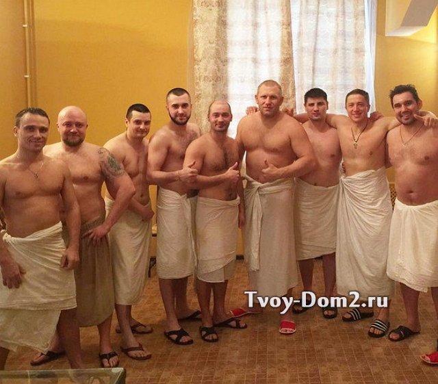 В мужской бане