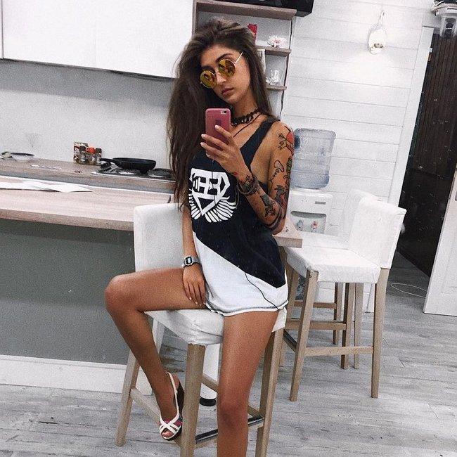 Аида Бабаева хочет сделать татуировку